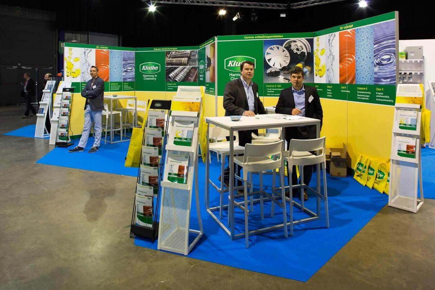Modulaire stand met wanden met prints | © www.Expopoint.be