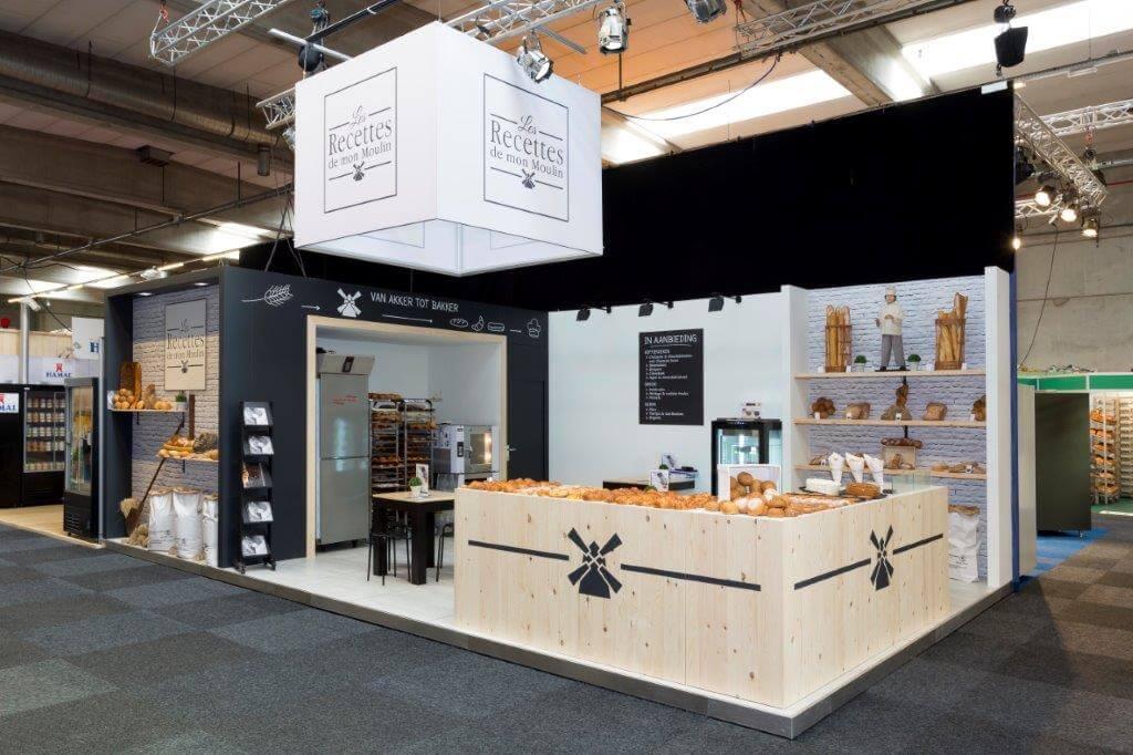 Beurstand voor bakkersproducten met houten wanden | © www.Expopoint.be