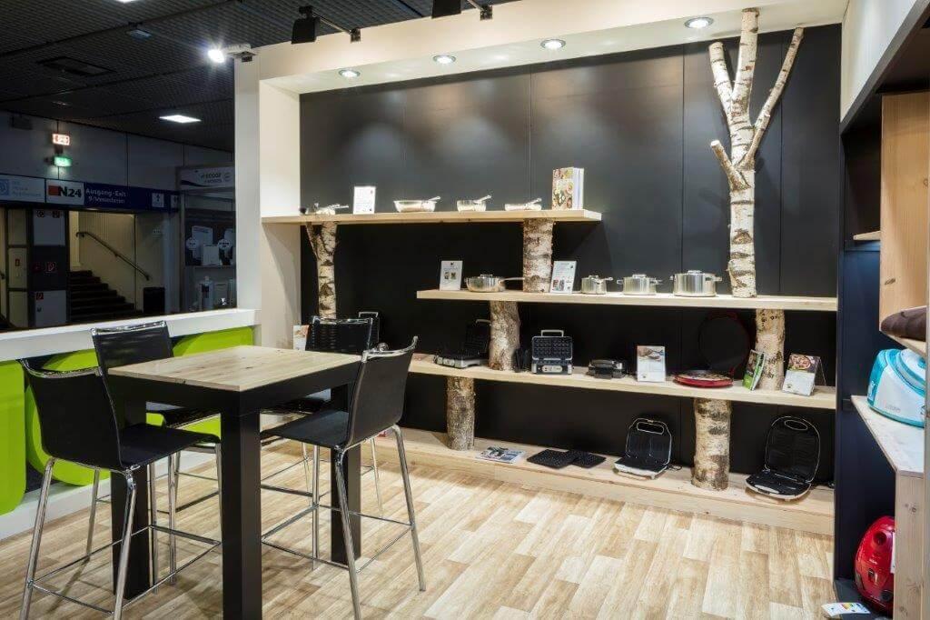 Sfeervolle stand met houten aankleding en decoratie   © www.Expopoint.be